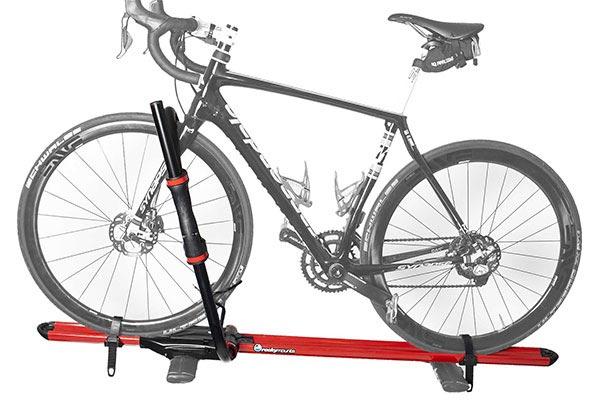 rockymounts brassknuckles with road bike 9540