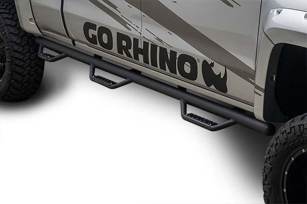black go rhino dominator d3 side steps installed on silver chevy silverado