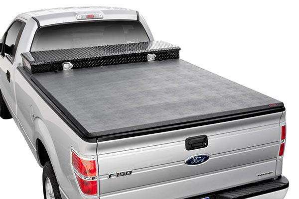 extang trifecta toolbox tonneau cover 1