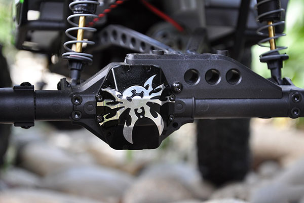 poison spyder axial wraith diff cover detail