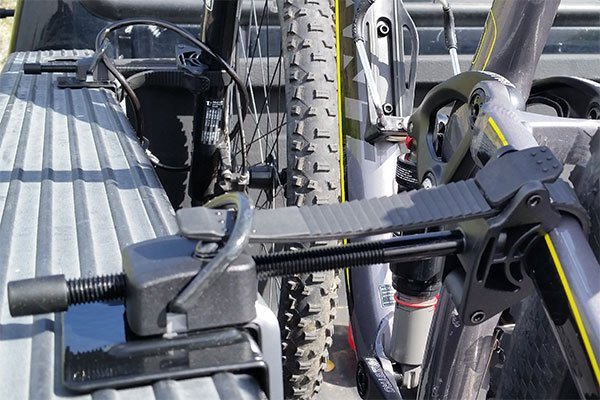 5457 inno truck bed bike rack closeup