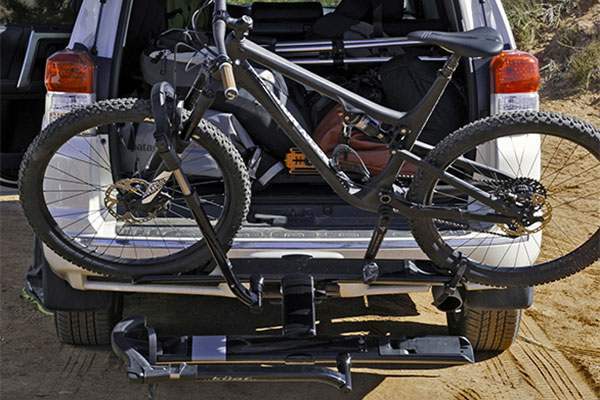 kuat sherpa hitch mount bike rack lifestyle2