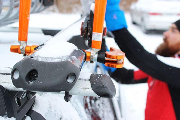 kuat trio fork mount roof bike rack lifestyle