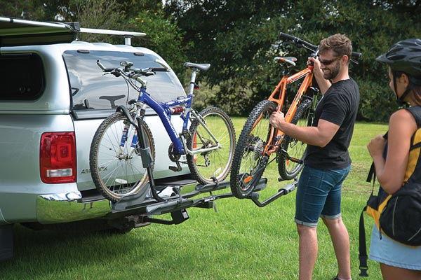 rhino rack dual trekker platform hitch mount bike rack loading bike