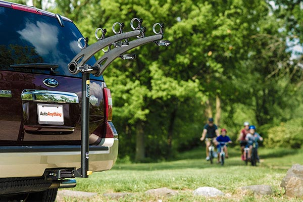 saris axis steel hitch mount bike rack lifestyle