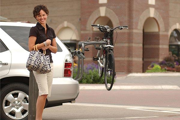 saris bones rs trunk mount bike rack woman