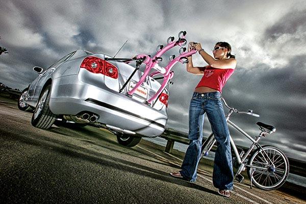 saris bones trunk mount bike rack pink in use