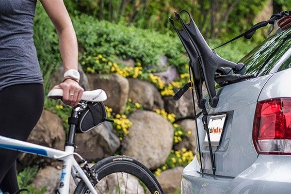saris solo trunk mount bike rack lifestyle