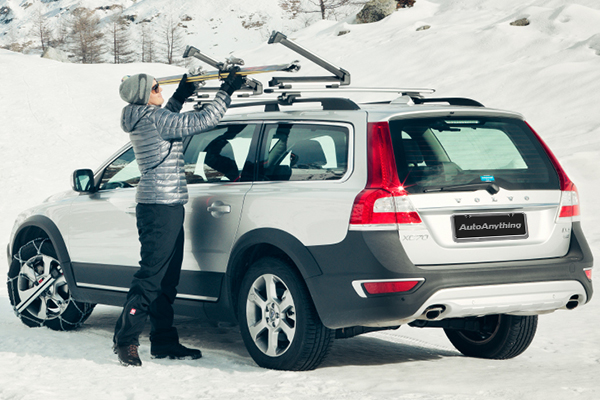 thule snowpack ski and snowboard rack lifestyle