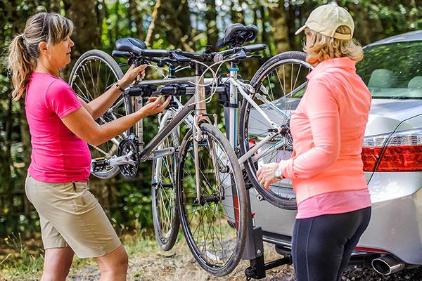 yakima literider hitch mount bike rack lifestyle