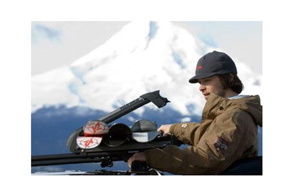 yakima powderhound snowboard and ski rack loading