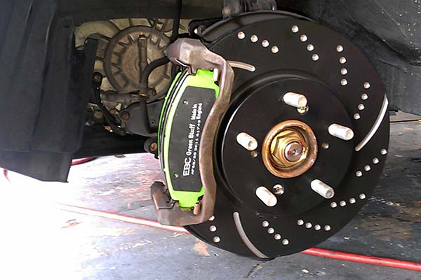 ebc sport rotors with green stuff pads installed on 2005 honda odyssey