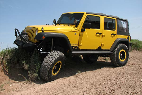 fab fours jeep rock sliders lifestyle