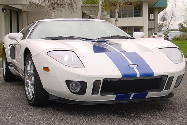speedlingerie ford GT centennial whiteblue stripes