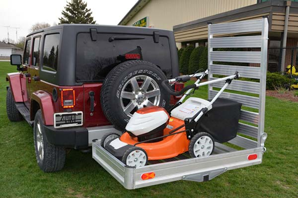 erickson-hitch-hauler-wheelchair-scooter-carrier-w-ramp-lifestyle1