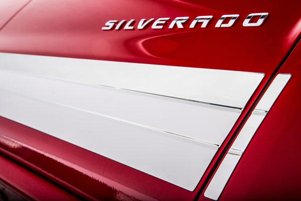 ici se series rocker panels silverado closeup