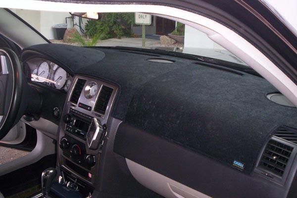 Dash Designs Suede dash cover Chrysler 300C