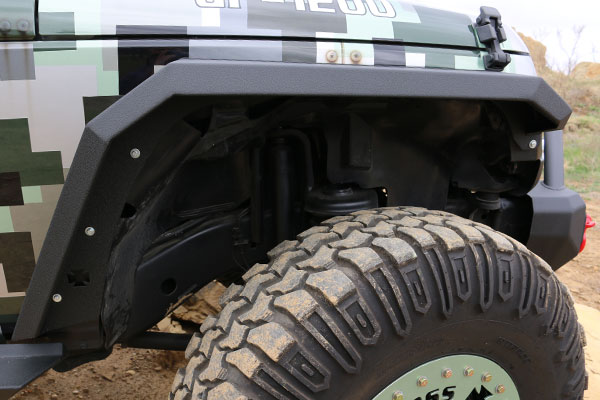 iron-cross-jeep-fender-flares-s-front-detail-jk-lifestyle