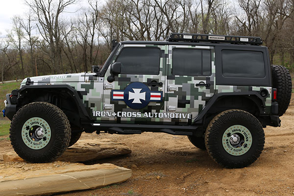 iron-cross-jeep-fender-flares-side-profile-jk-lifestyle