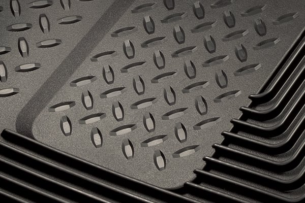 husky heavy duty liner close up of traction pattern