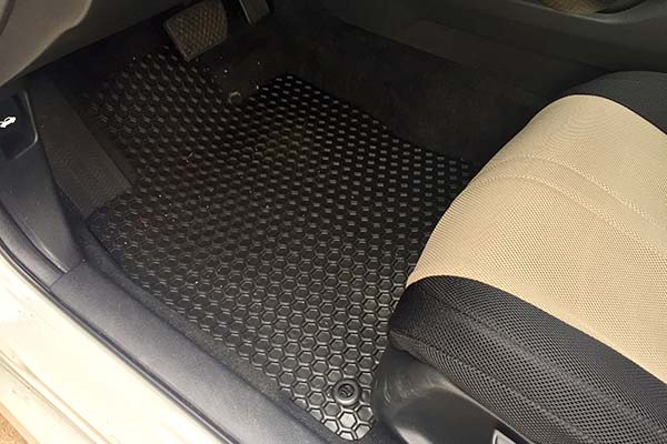 Customer Submitted Image - Hexomat Floor Mats for 2016 to 2019 Honda Civic