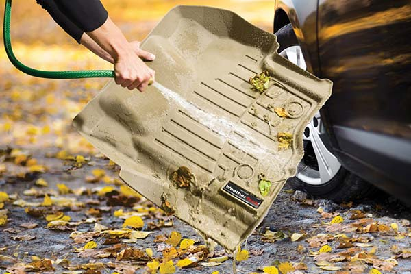 Clean the dirt and grime off your DigitalFit Liners by simply rinsing them off with a hose