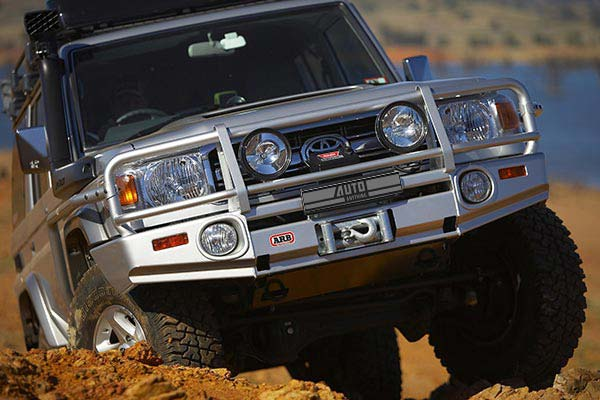 bull bar on land cruiser