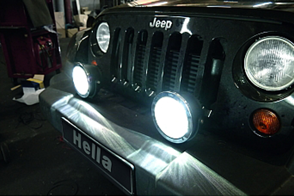 hella rallye 4000 compact led light installed jeep