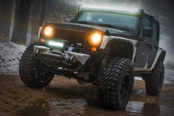 pro comp explorer led light bars lifestyle