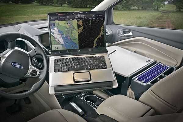 auto exec reach desk laptop