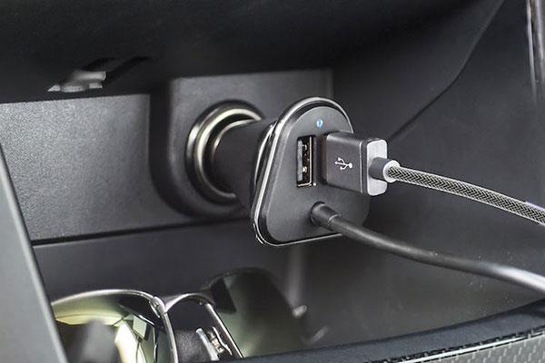 bracketron pwrrev 4 port usb charger product 2
