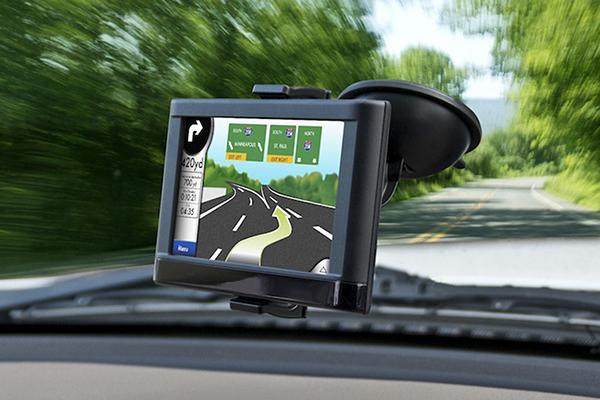 bracketron mi t grip gps dash mount in car with gps 1