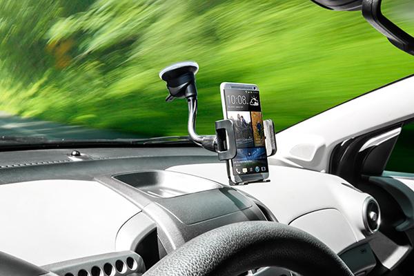 bracketron tekgrip windshield mount keeps phone visible