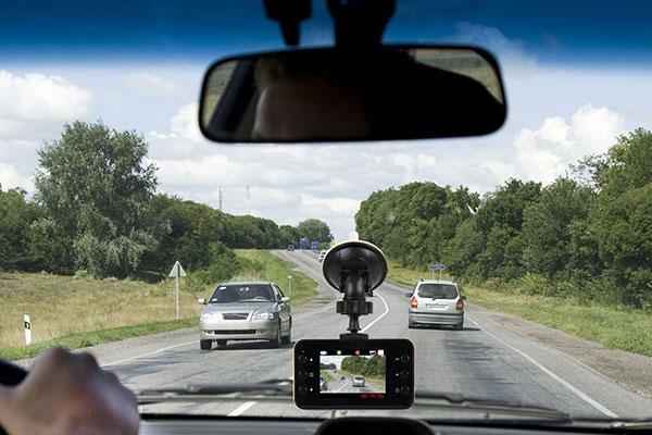 proz slimline dash camera lifestyle