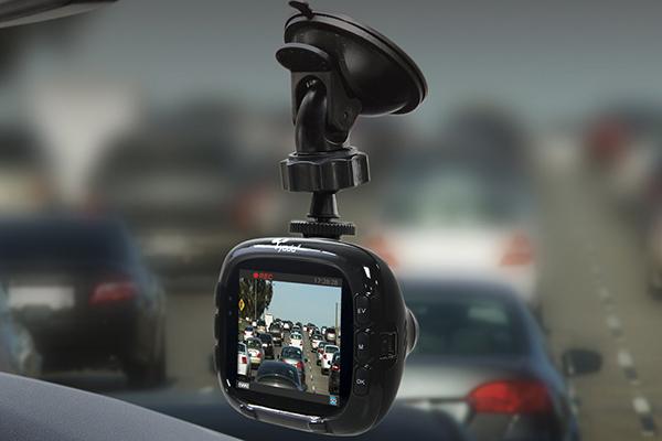 yada road dash cam in traffic