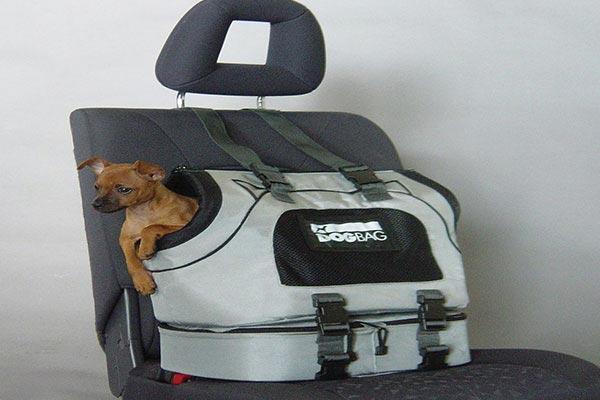 Motor Trend Universal Sport Bag Pet Carrier car