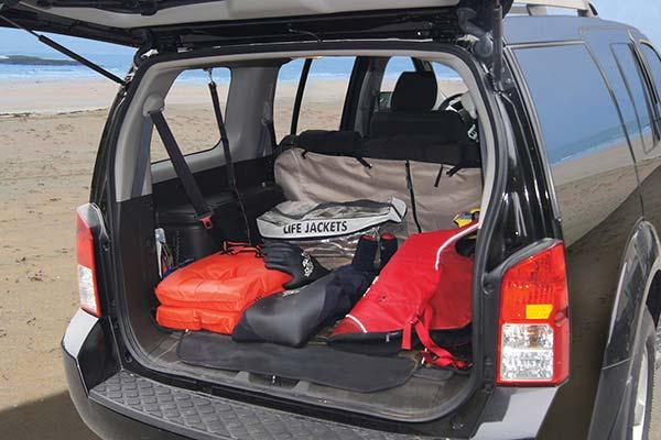 kurgo cargo cape rel3 lifestyle3