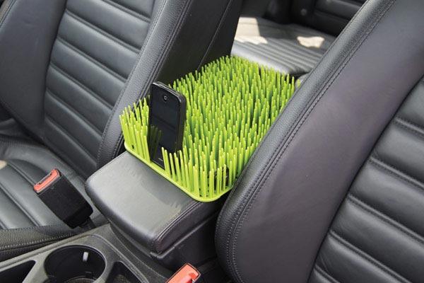 kurgo auto grass center console cover installed