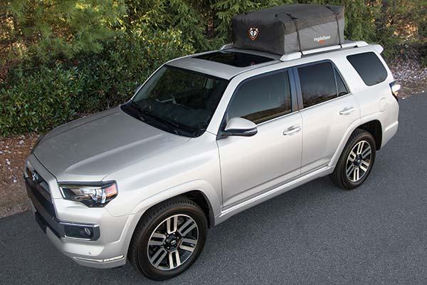 rightline-gear-sport-2-car-top-carrier-installed-toyota