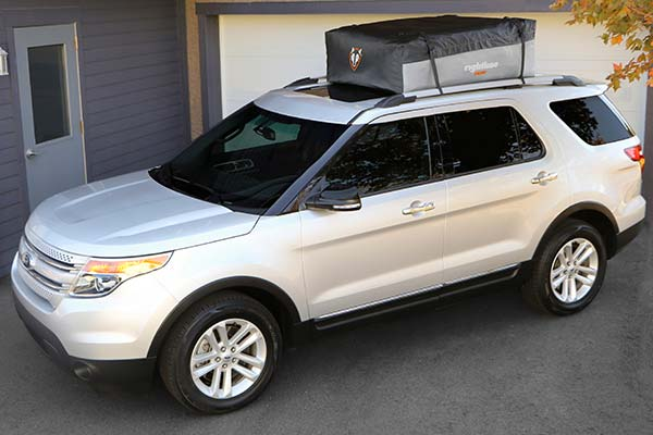 rightline-gear-sport-3-car-top-carrier-installed-ford