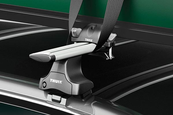 thule portage 819 canoe carrier installed close up