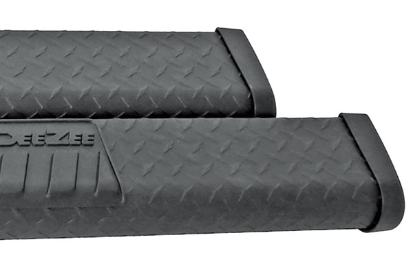 dee zee 6 black tread side steps detail