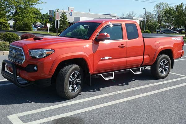 ici magnum rt cab length step bars installed on toyota tundra