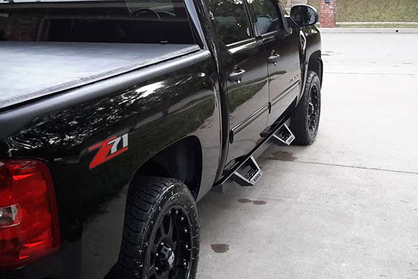 ici magnum rt black step bars installed on 2010 chevy silverado