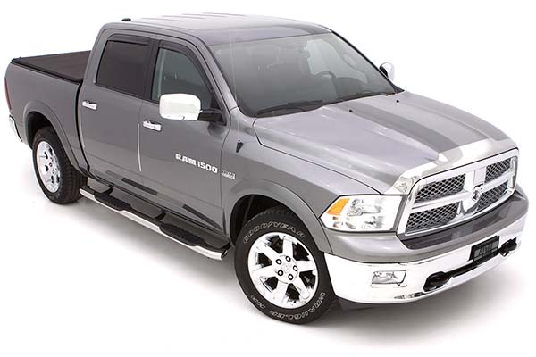 lund 5 inch curved stainless oval nerf bars on dodge ram