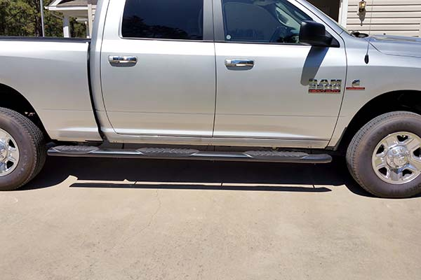 Lund 5 Curved Oval Nerf Bars Installed On 2017 Dodge Ram 2500 Customer Submitted Image