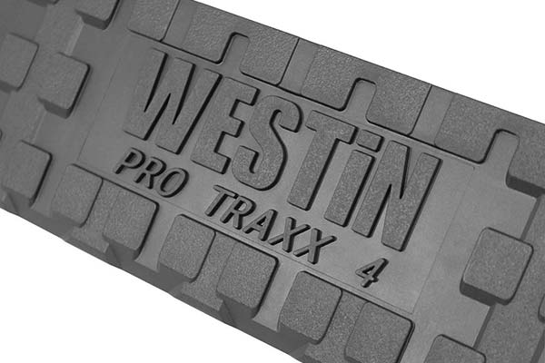 westin-pro-traxx-4in-oval-nerf-bars-tread-detail