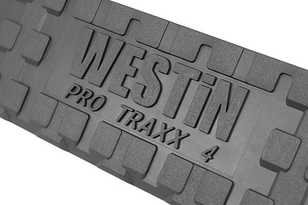 westin-pro-traxx-4in-oval-nerf-bars-tread-detail