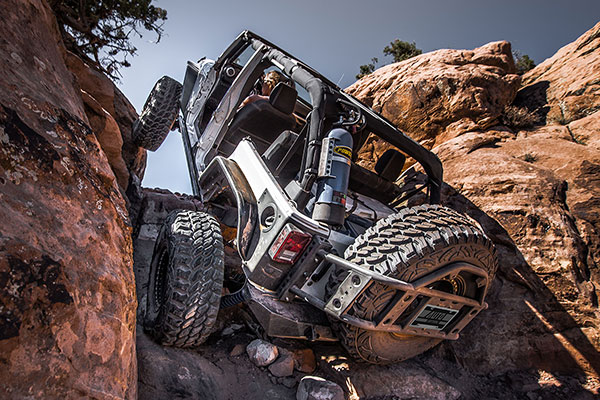 poison spyder body mounted tire carrier offroad