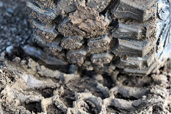 pro comp xtreme mt2 radial tires tire tread in mud